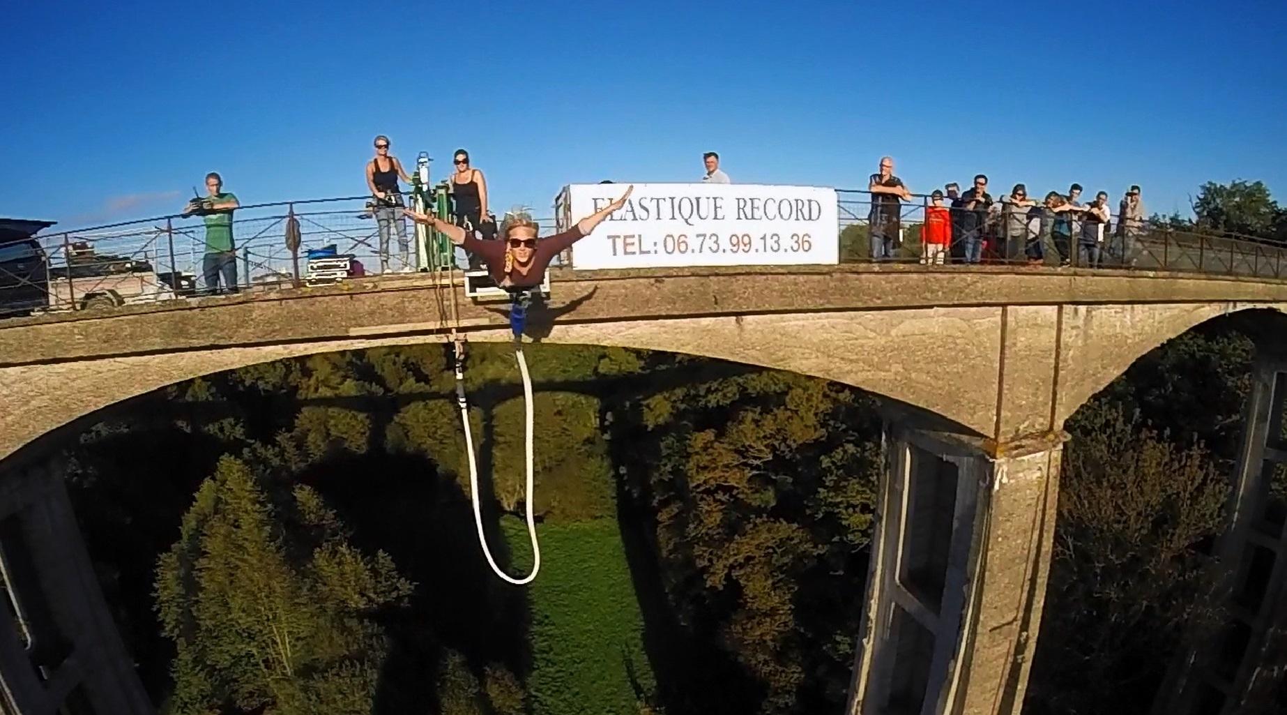 Un pont pour un saut en élastique
